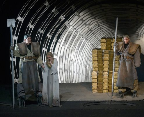 Martina Welschenbach Opernsängerin in Rheingold - © Bettina Stöß