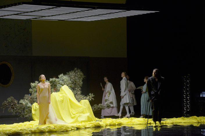 Martina Welschenbach Sopranistin in Cosi Fan Tutte - © Bettina Stöß