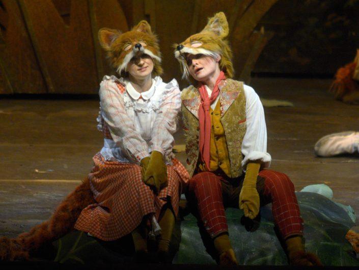 Opernsängerin Martina Welschenbach in Das schlaue Füchslein (c) Bettina Stöß