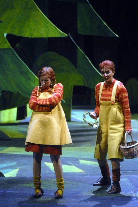 Sopranistin Martina Welschenbach in Hänsel und Gretel - © Deutsche Oper Berlin, Bettina Stöß