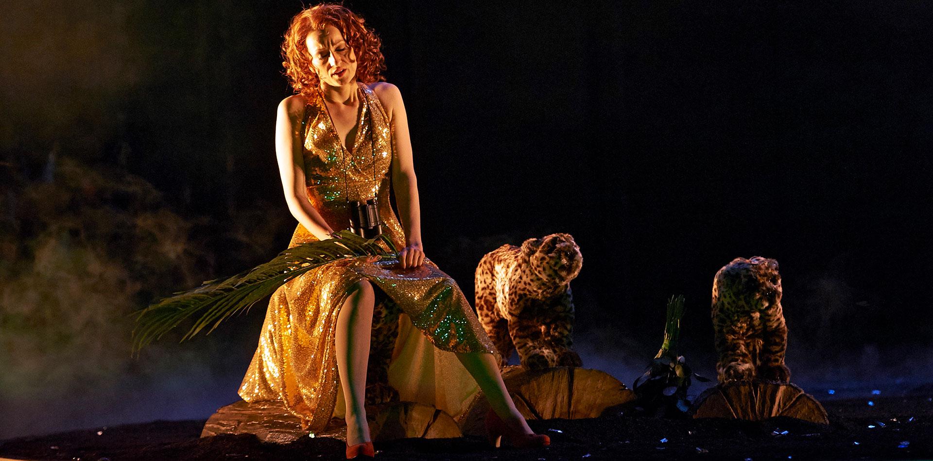 Martina Welschenbach auf der Bühne - Oper Lulu
